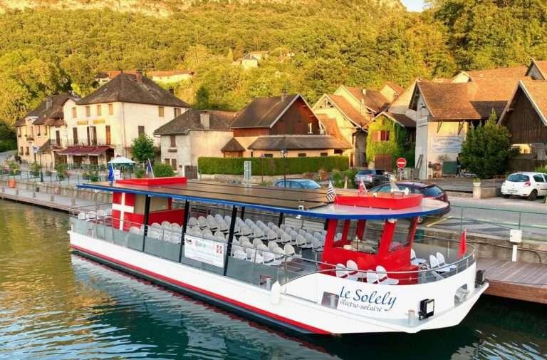 Promenade en bateau sur le Canal de Savières